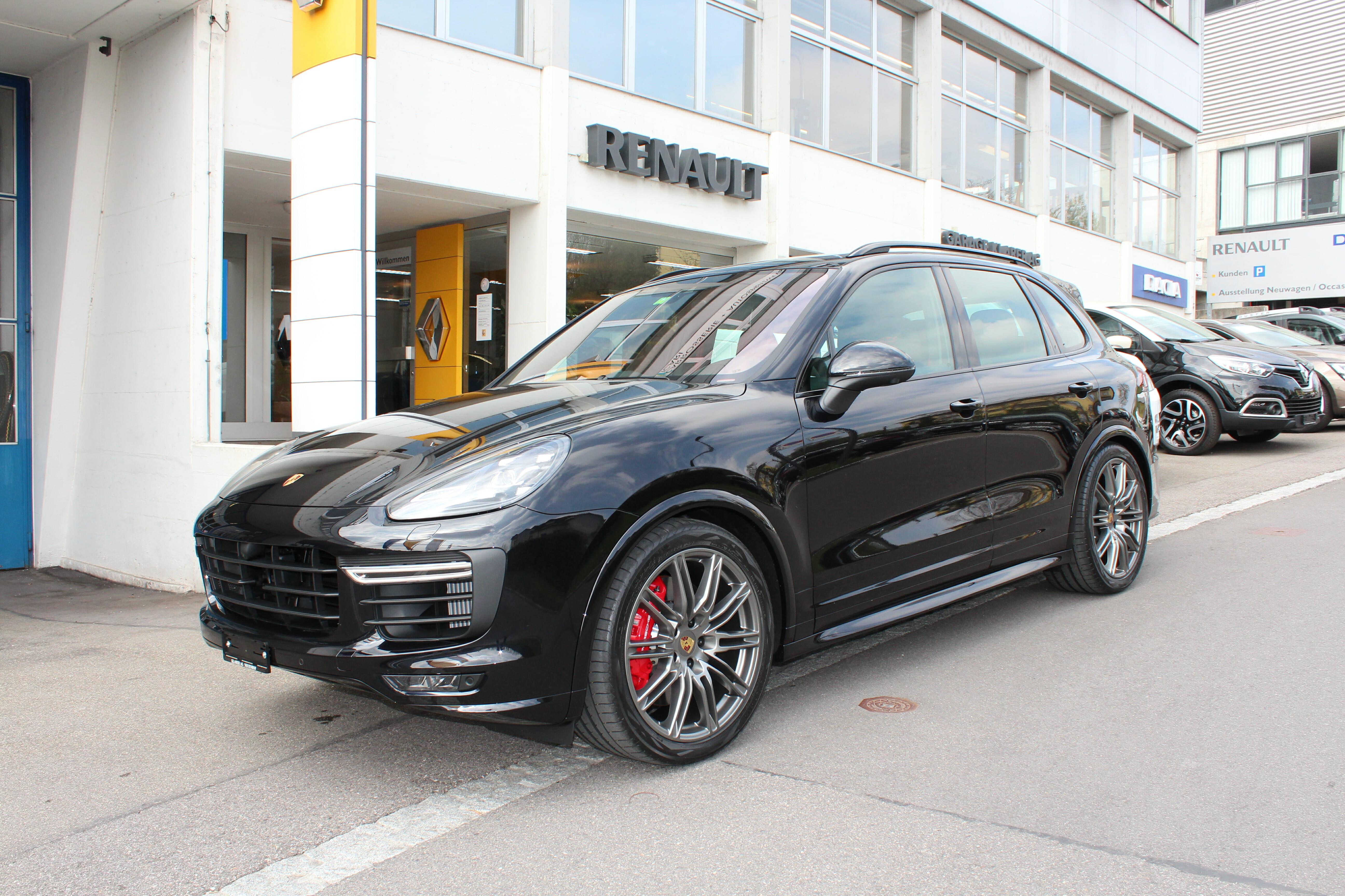 Porsche cayenne gts garage klarer for Garage porsche caen